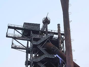 夜の製鉄所